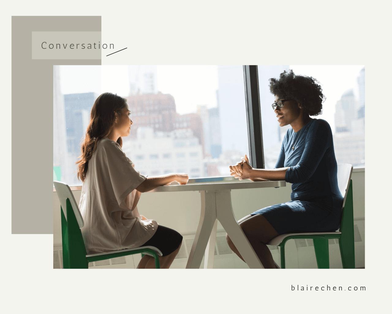遇到社交場合就尷尬癌發作?5 個聊天小技巧,讓你更輕鬆自在面對陌生人!