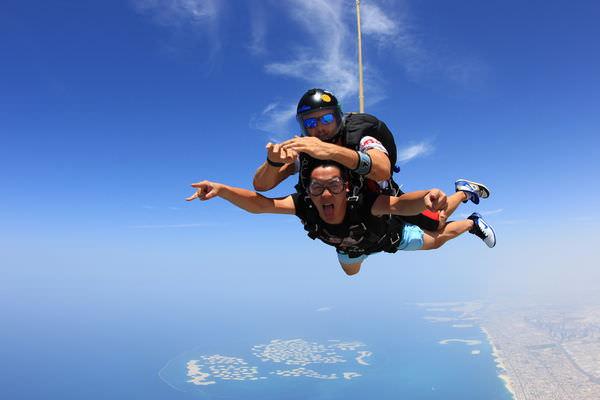 地表最強13,000英呎SKYDIVE DUBAI 杜拜跳傘初體驗// Jet